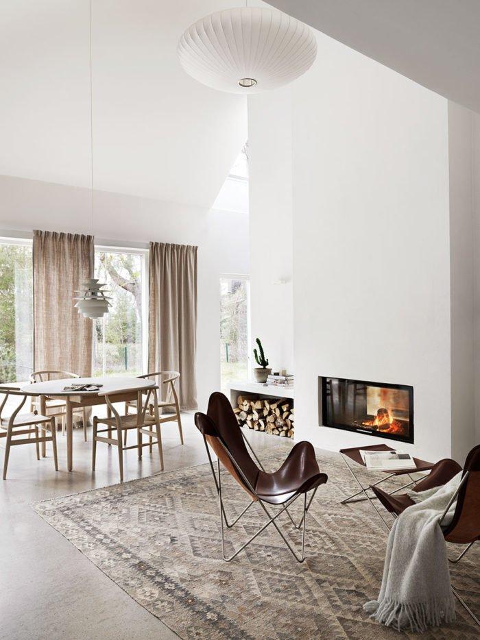 natural_scandinavian_home_livingroom_fireplace