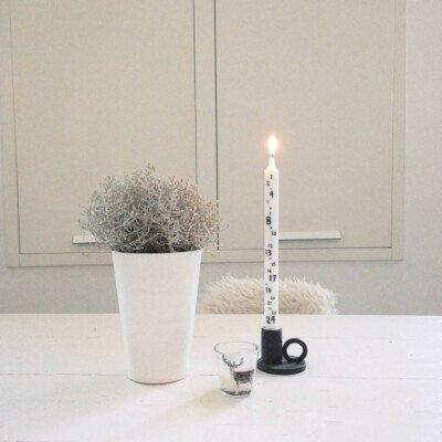 scandinavian feeling hygge table candle advent winter