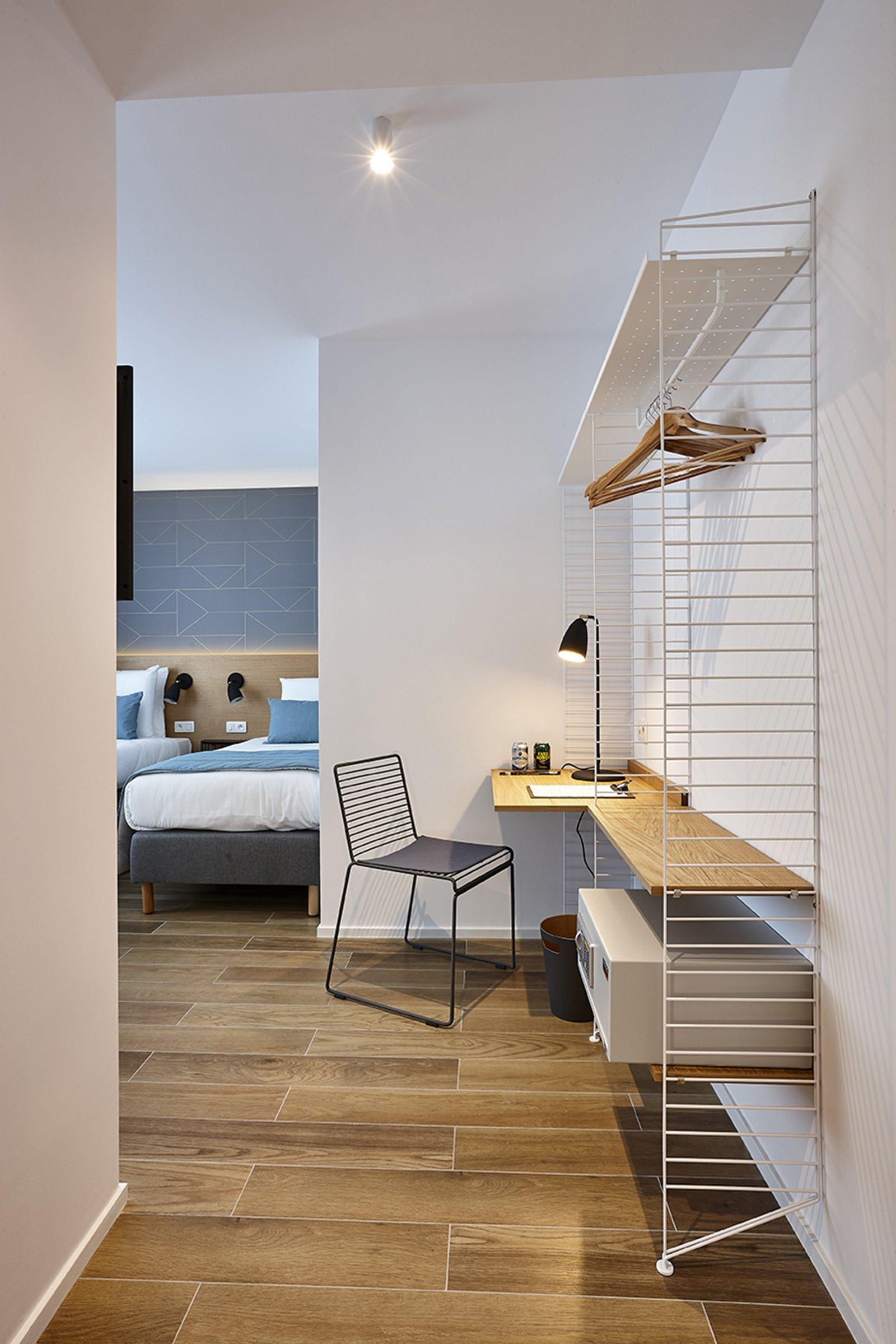 hygge hotel brussels belgium desk
