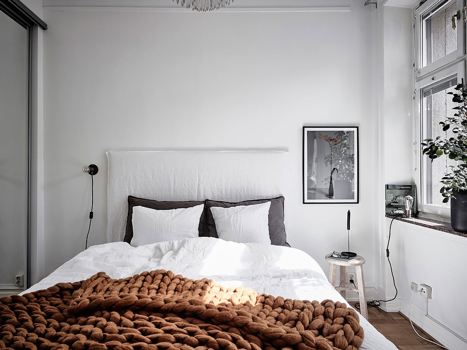 bedroom cozy chunky knitted blanket