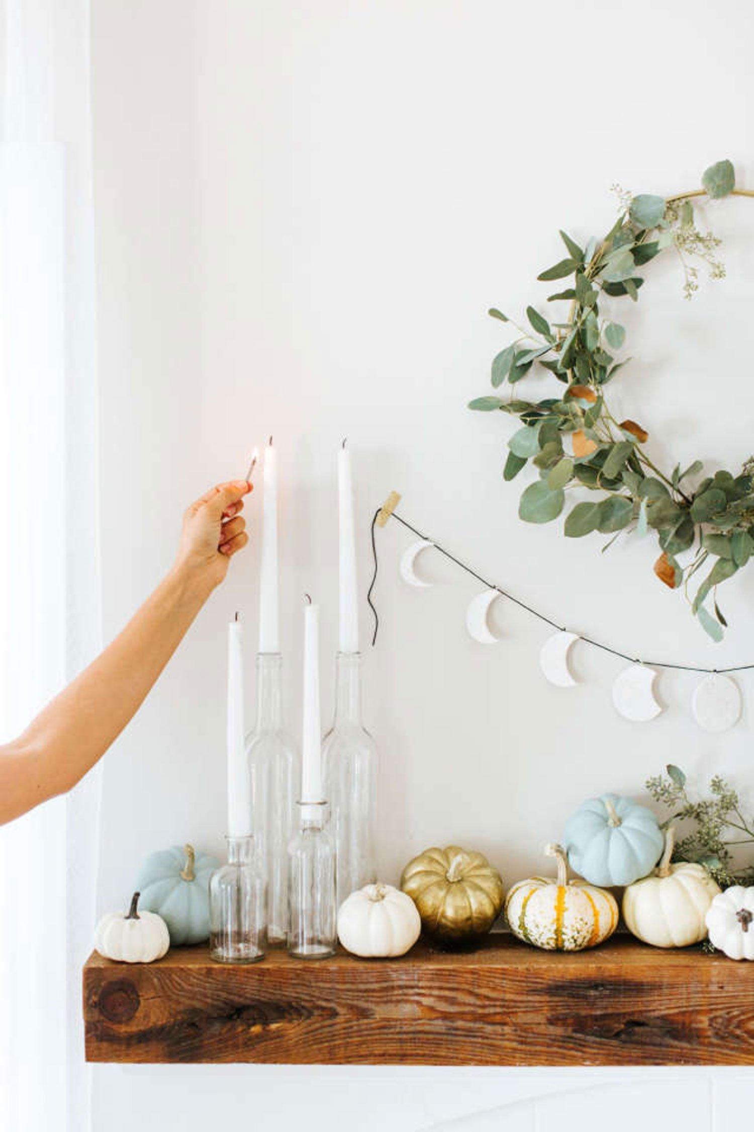 autumn decor DIY idea mantlepiece pumpkins