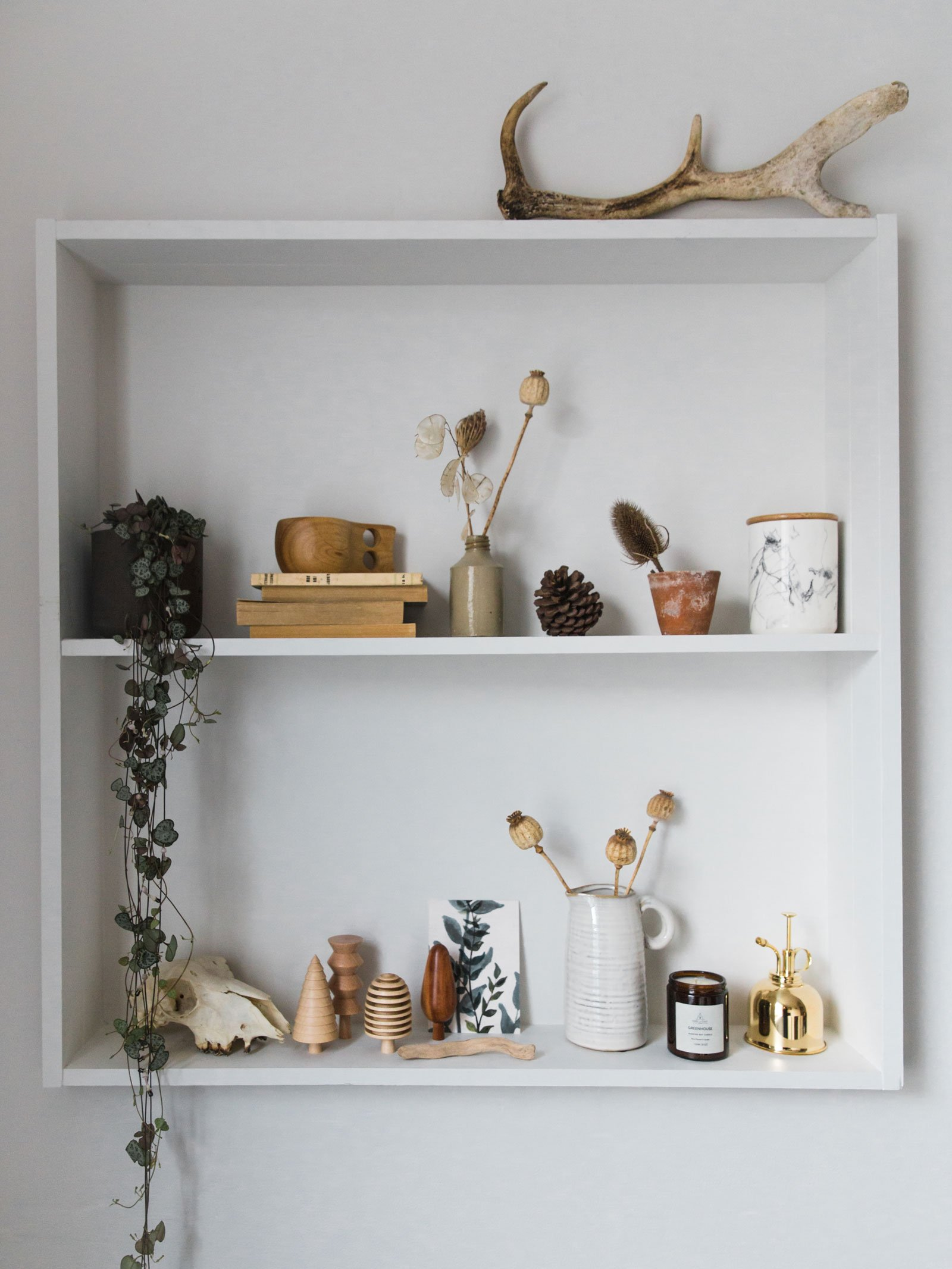autumn decor idea shelf minimal