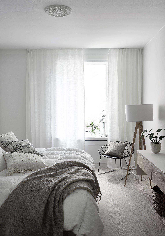bedroom cozy light