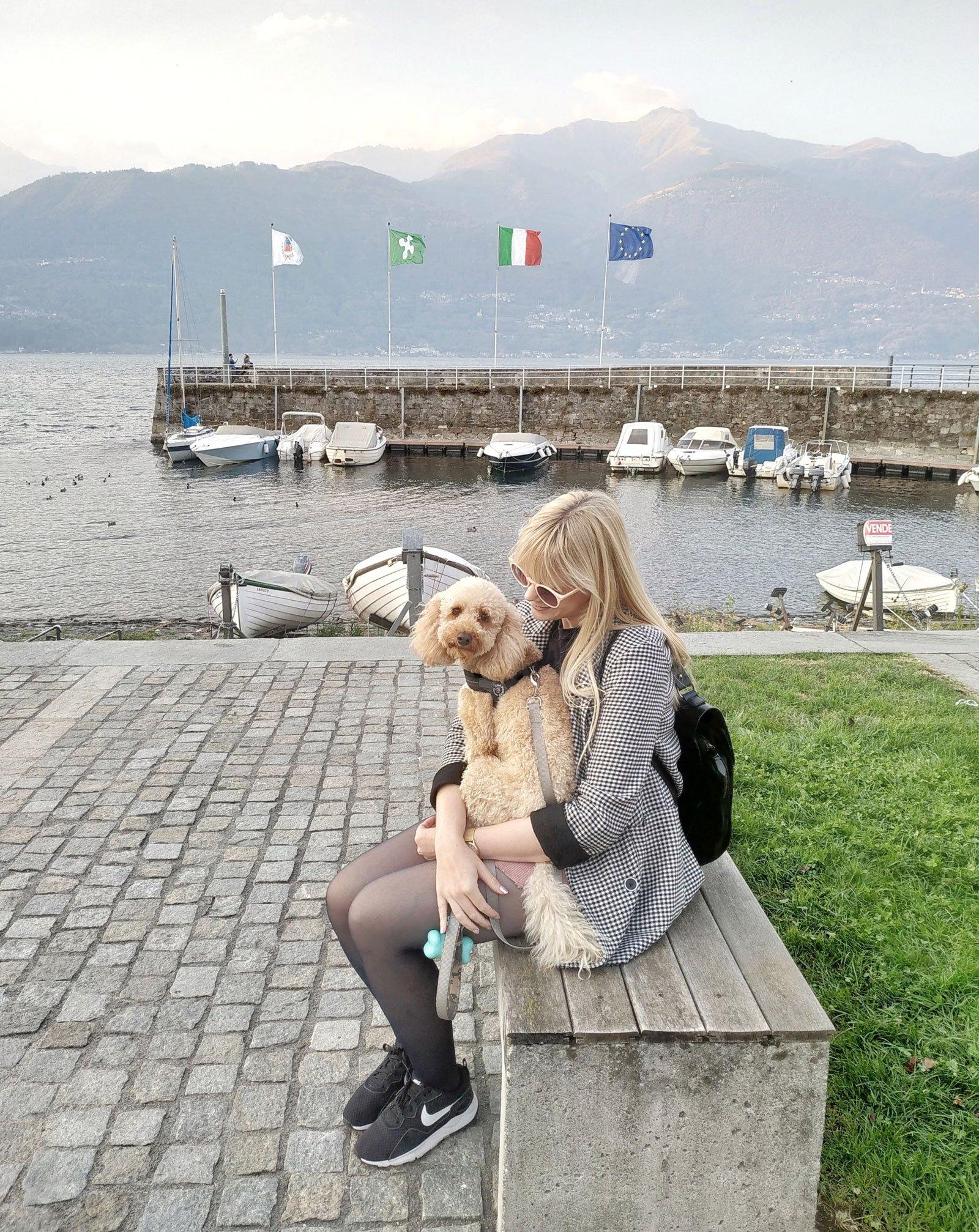 lake sunday italy hygge dog