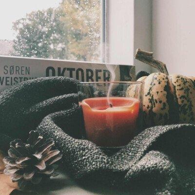 scandinavian feeling candle hygge autumn