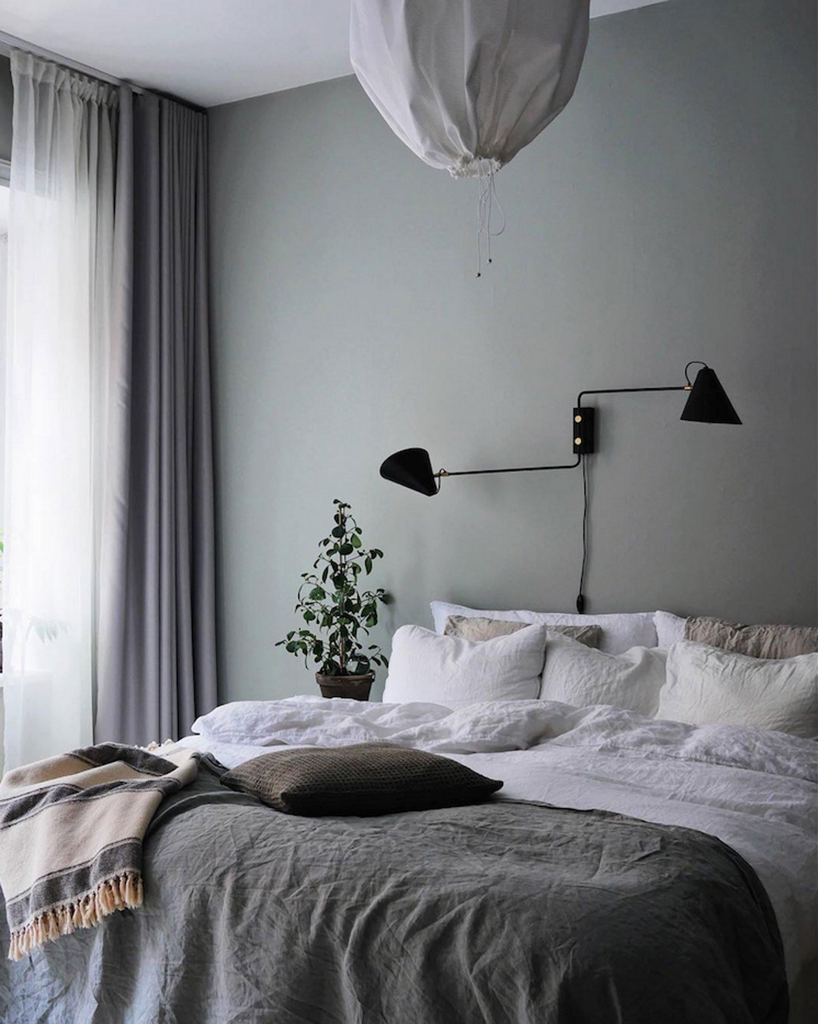 pale turquise bed calm cozy scandinavian