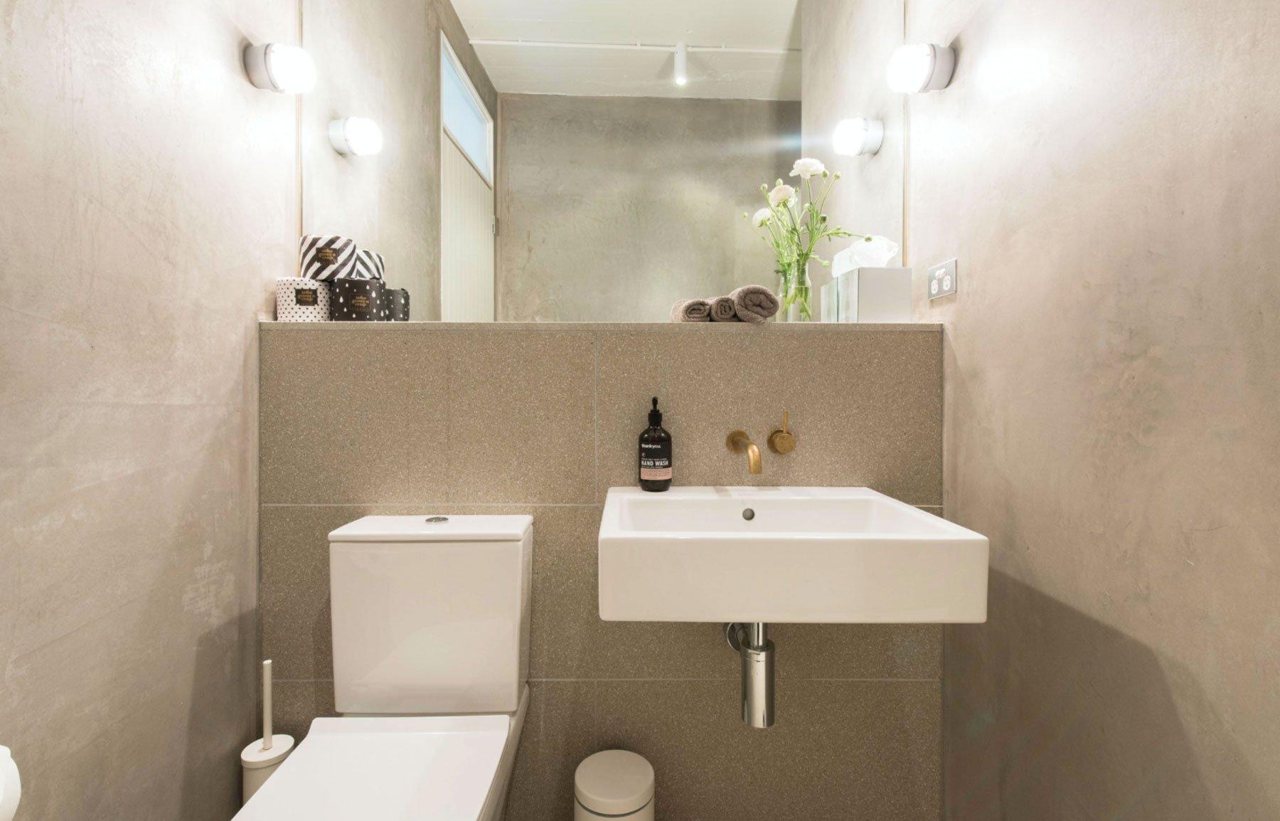 scandinavian apartment sydney airbnb bathroom
