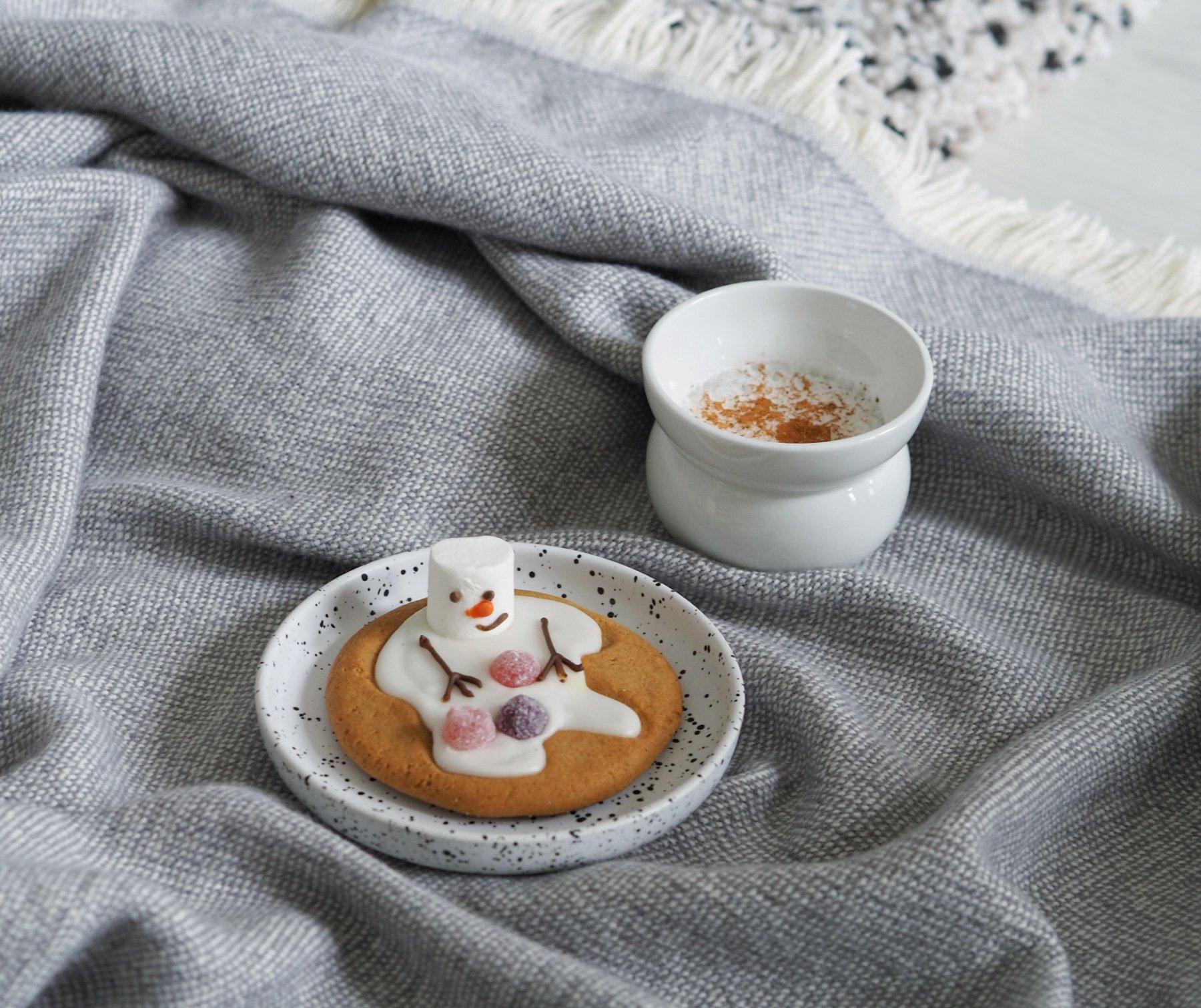 emracing winter scandinavian lifestyle