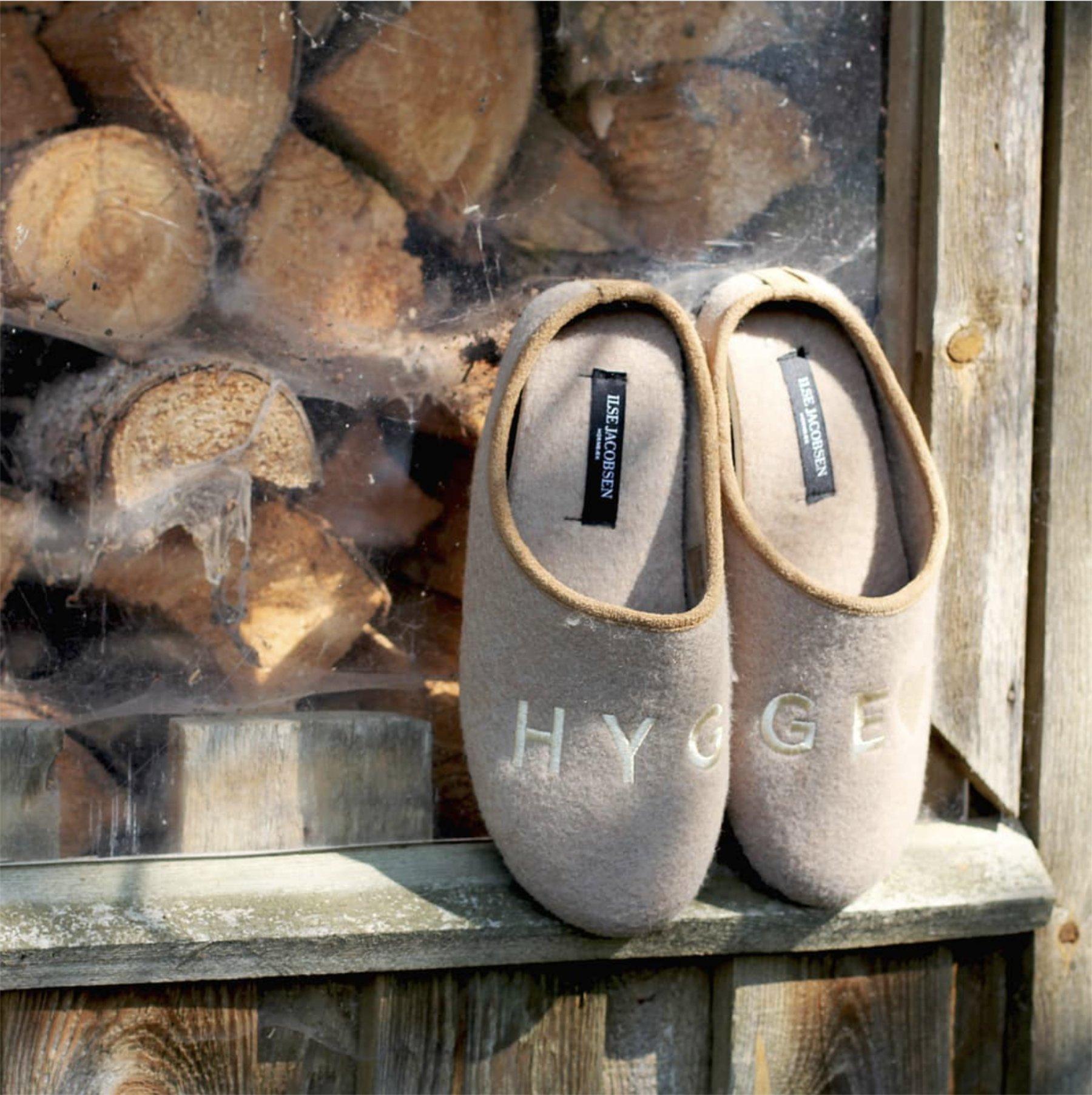 ThatScandinavianFeeling slippers hygge cozy gift guide