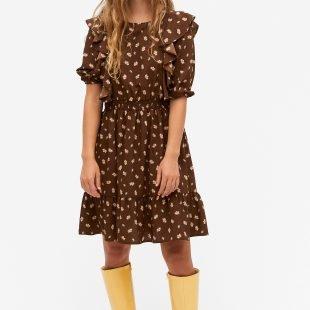 cozy dress nordic scandinavina style fashion autumn boots
