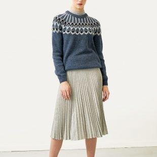 cozy-jumper-scandinavina-style-fashion-autumn-nordic