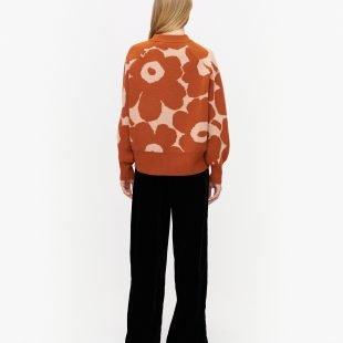 cozy-jumper_marimekko-scandinavina-style-fashion-autumn-nordic
