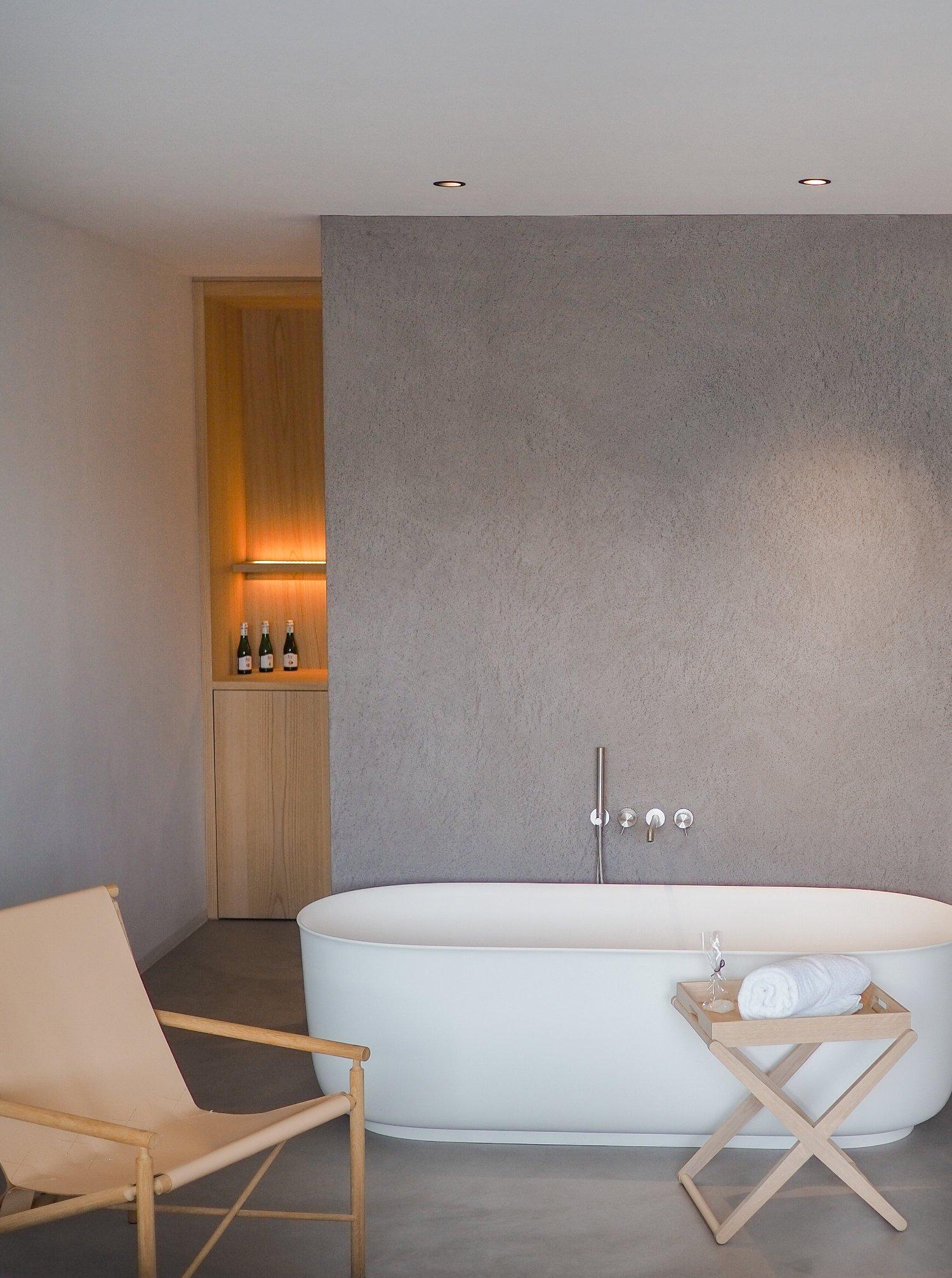 scandinavian-design-hotel-dolomites-italy-bathtub-cozy