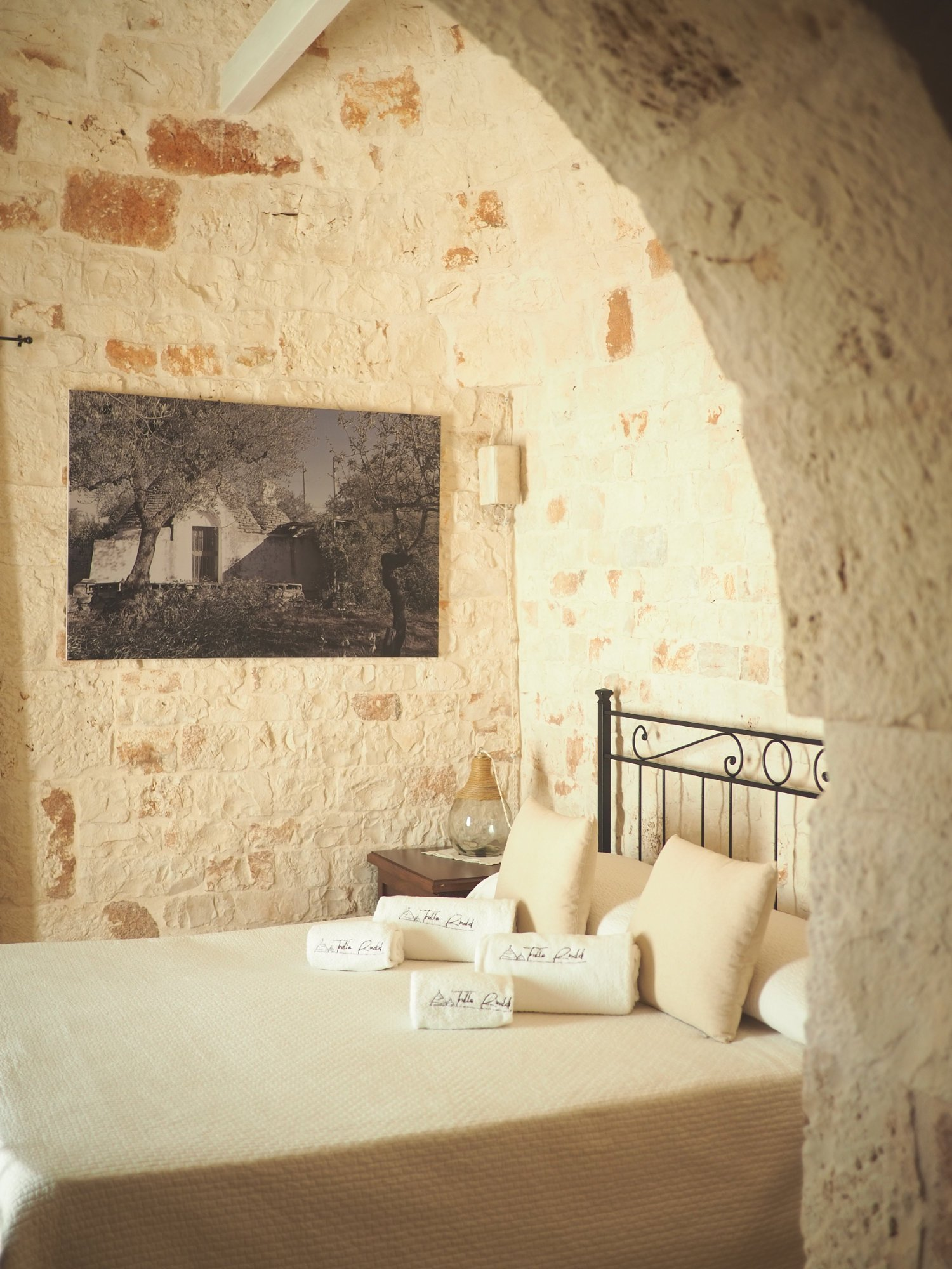 Trullo bedroom cozy hygge