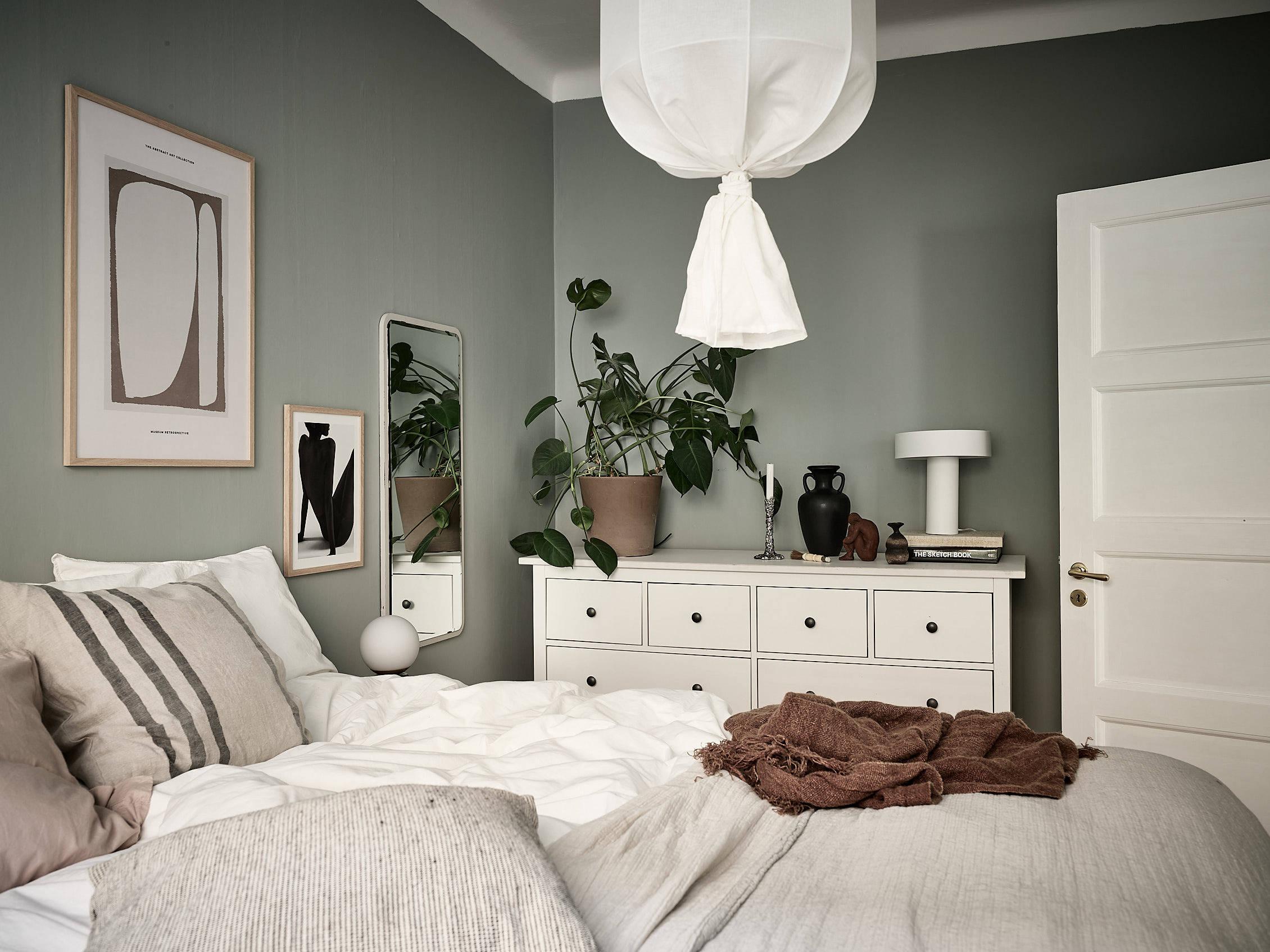 scandinavian feeling bedroom cozy green 2