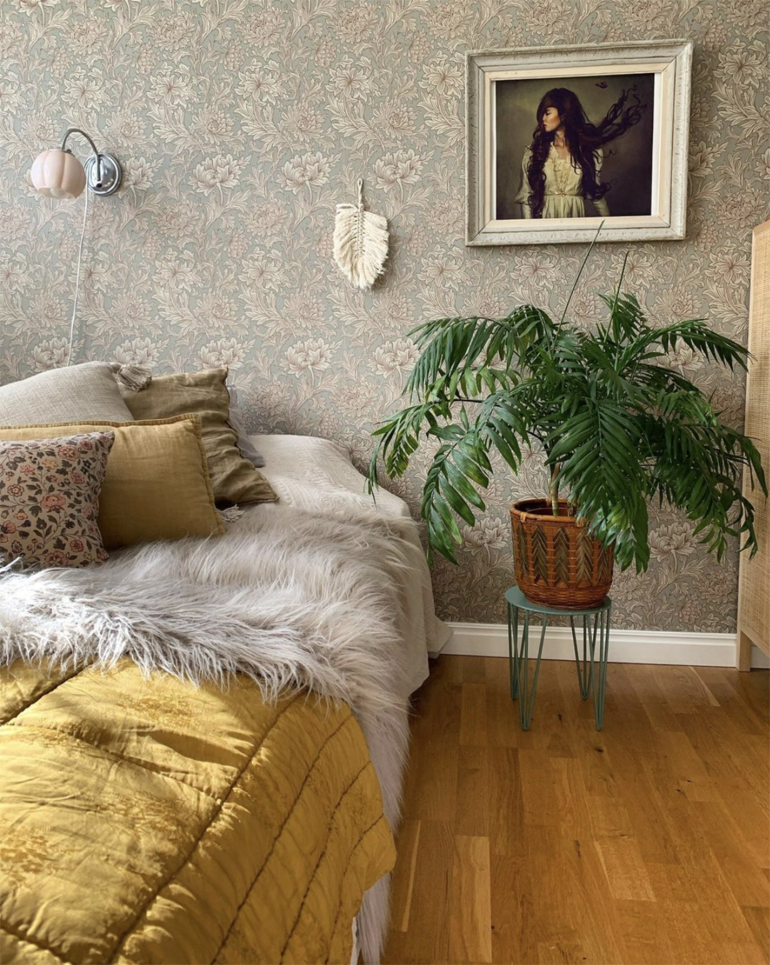 scandinavian feeling bedroom cozy hygge colourful 1