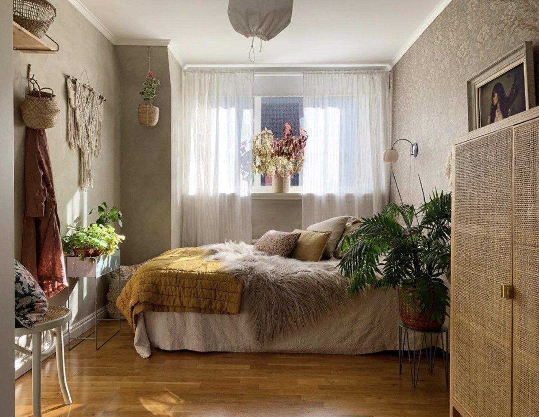 scandinavian feeling bedroom cozy hygge colourful 2