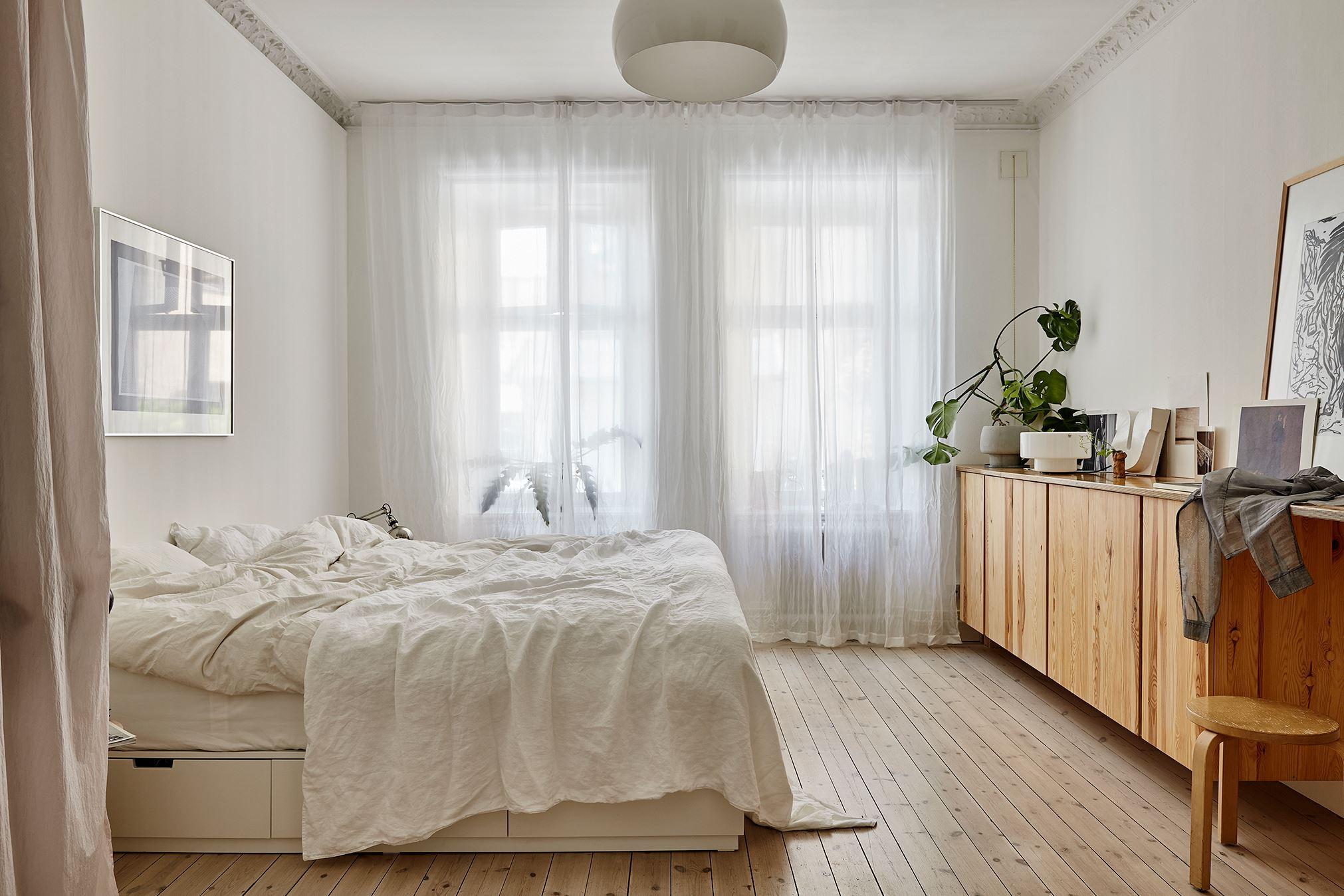 scandinavian feeling bedroom cozy hygge light 2