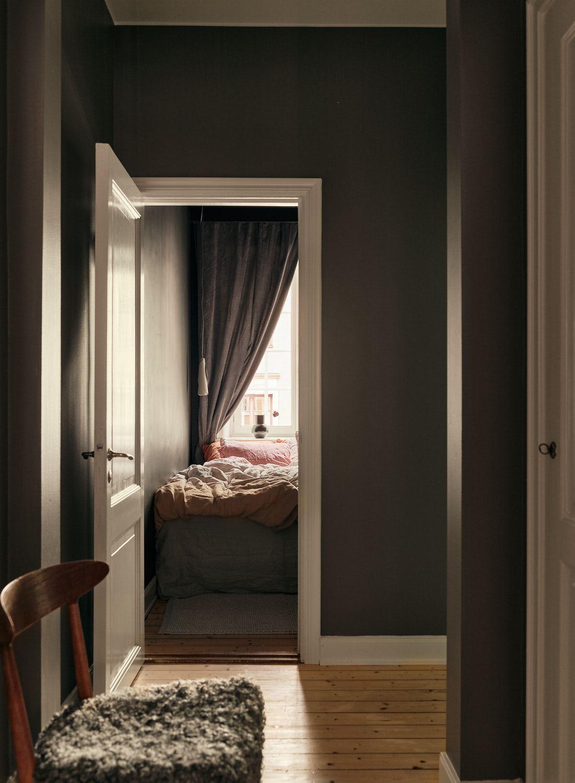 scandinavian feeling bedroom cozy hygge small 1
