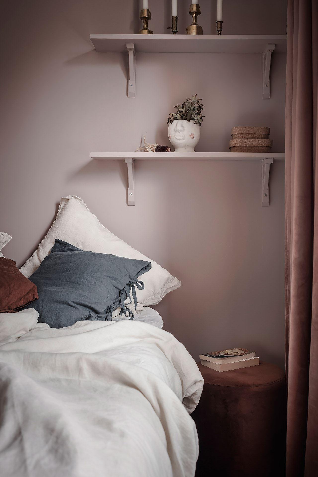 scandinavian feeling cozy bedroom cozy pink 1
