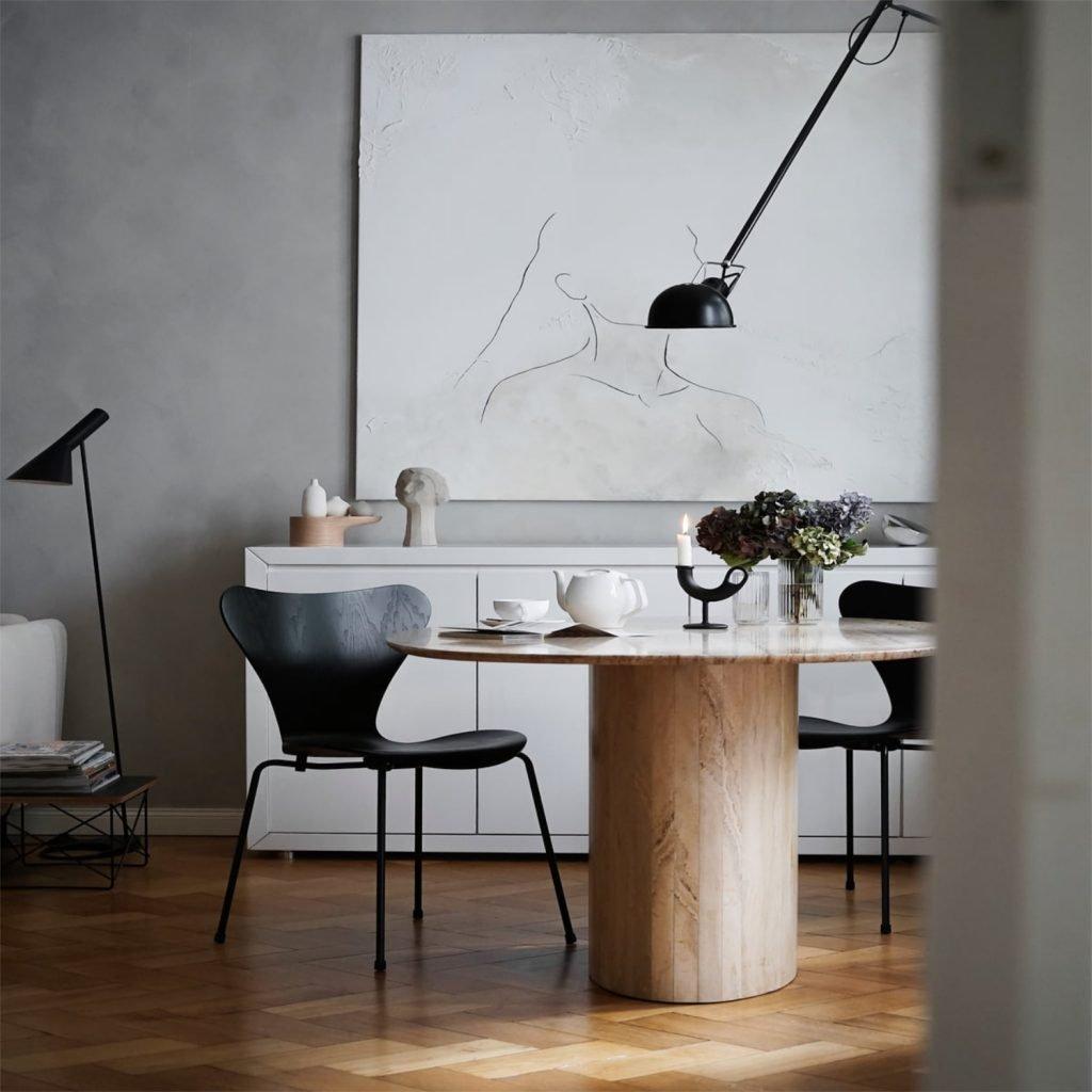 Scandinavian feeling best dining chair Fritz Hansen Serie 7
