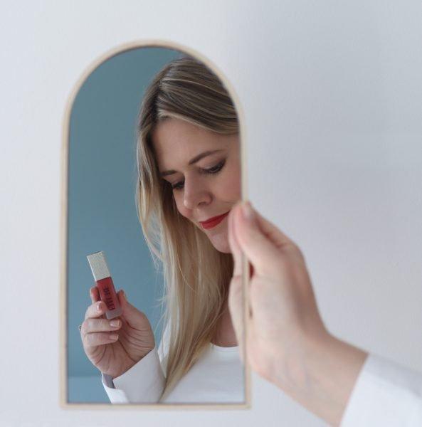scandinavian feeling custom sustainable lipstick ellure scandi red